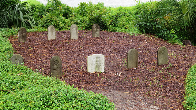 Burial site for hunting dogs
