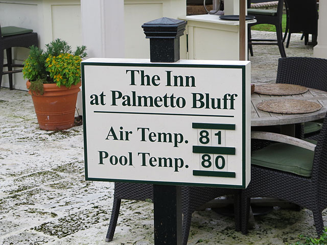 Sign at the swimming pool