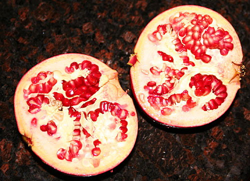 Photo - Pomegranate halves